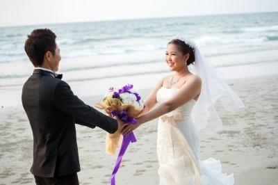 beach marriage